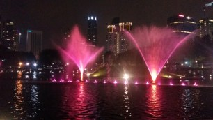 KLCC park fountains light show 2