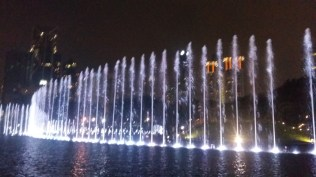 KLCC park fountains light show 6