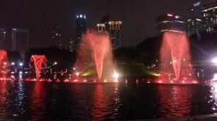 KLCC park fountains light show