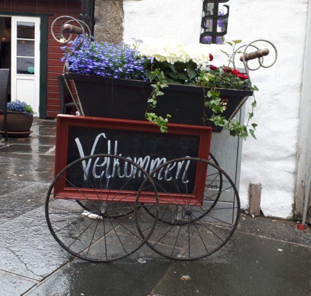 Velkommen flower cart in Bergen