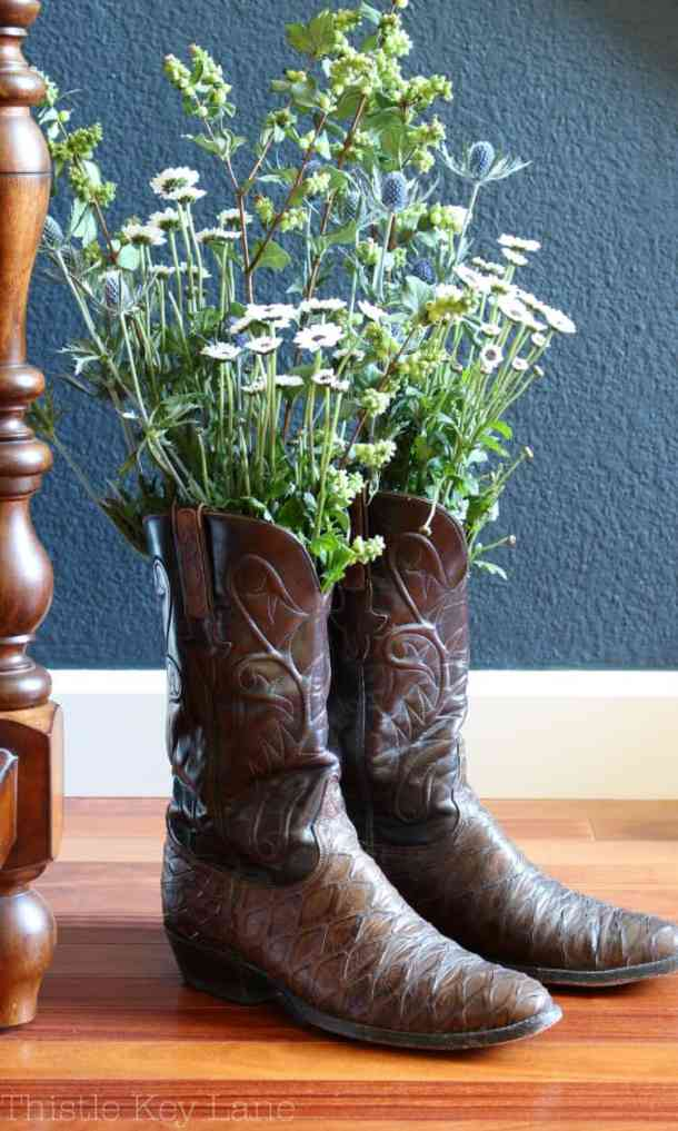 Nothing says fall like cowboy boots and flowers
