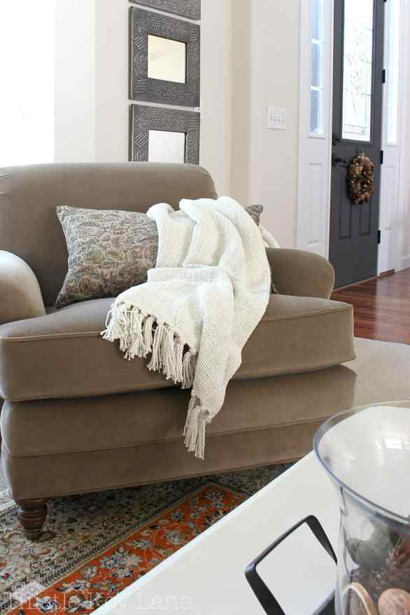 The perfect cream throw for texture.