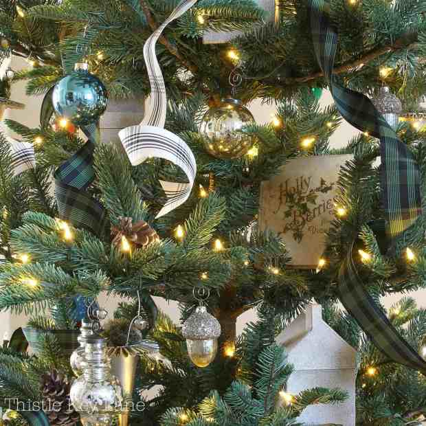 Christmas tree with vintage and new decorations.