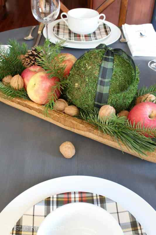 Add natural elements to the centerpiece.