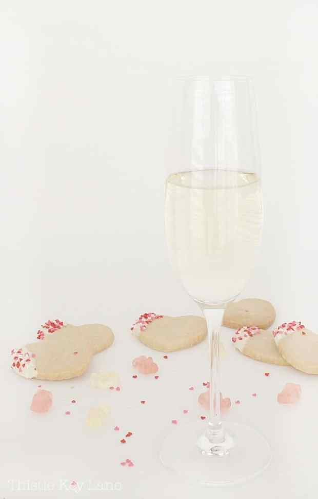Fancy and oh so easy Valentine treat with Champagne and shortbread cookies.