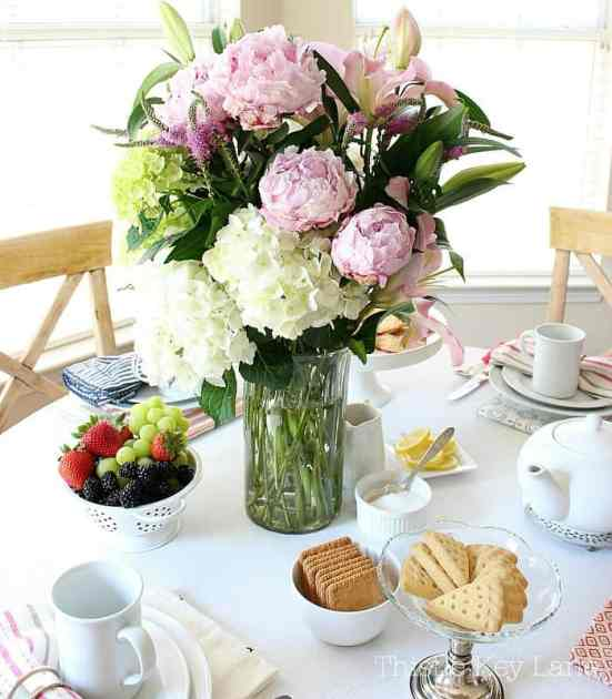 Every tea party should start with pretty flowers.