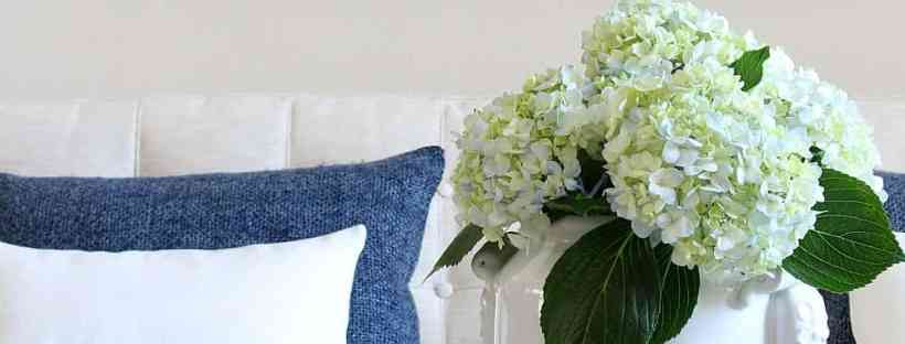Summer home tour with blue and white accents.