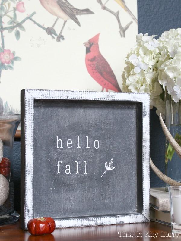 Hello fall mini chalk board. So cute!