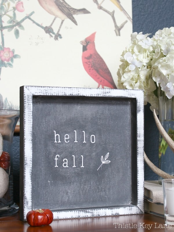 Hello fall mini chalk board. So cute!