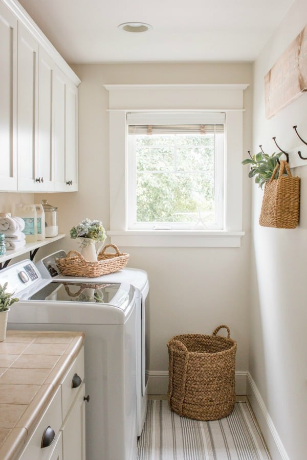 Saw Nail And Paint Fold and Fluff Laundry Room Refresh