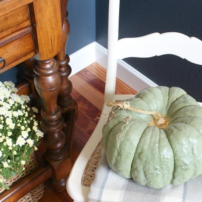 Fall Focal Point In The Entryway