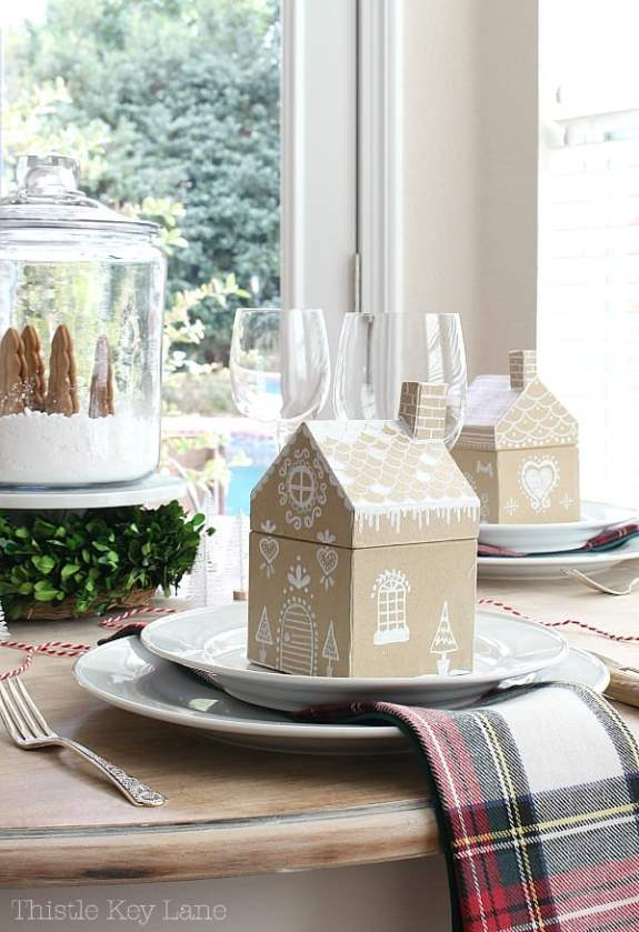 Gingerbread house table decorations.