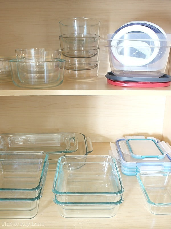 Storage dishes with lids.