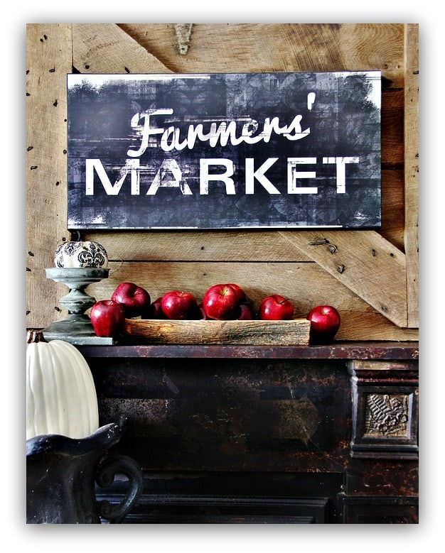 The Farmers Market pallet sign with fresh red apples is perfect for fall.