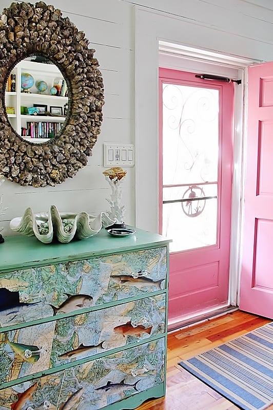 beach-cottage-style-front-door