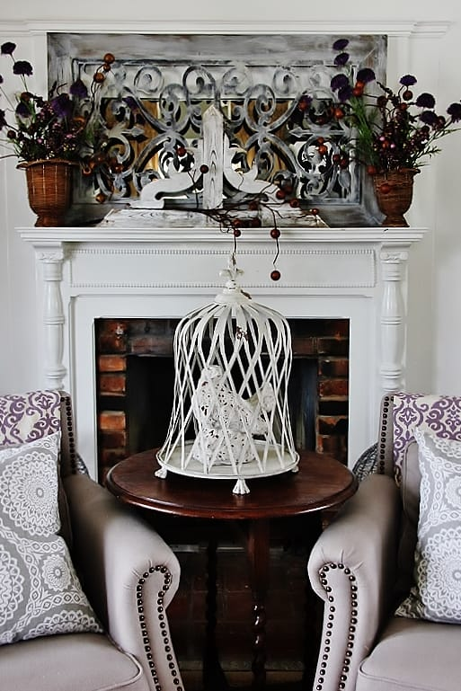 decorating-ideas-for-the-color-of-the-year-chairs