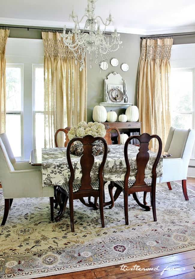 fall decor dining room