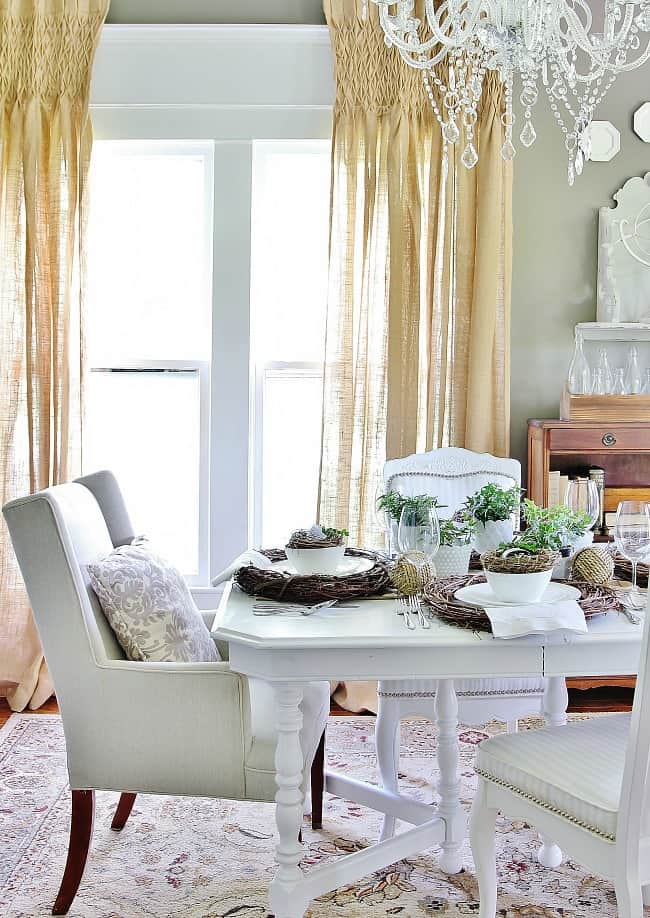 dining room summer table setting