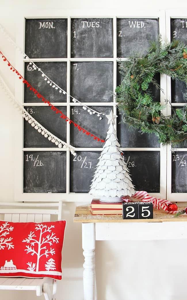 DIY Chalkboard Calendar