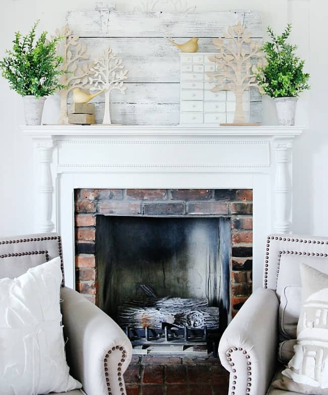 A view of the spring mantel decorations