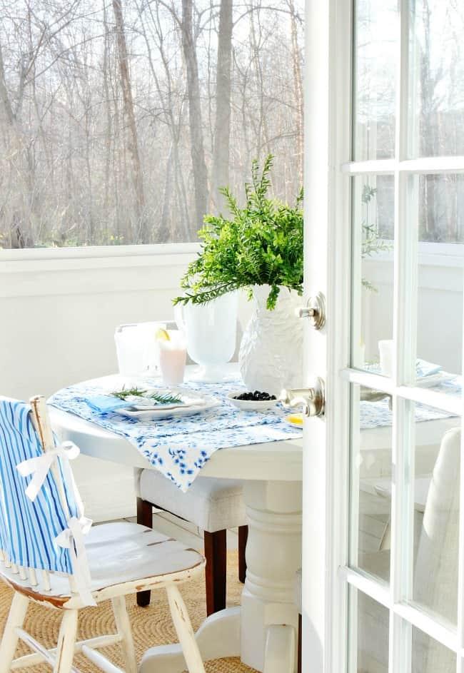 Sweet Tea Table Setting