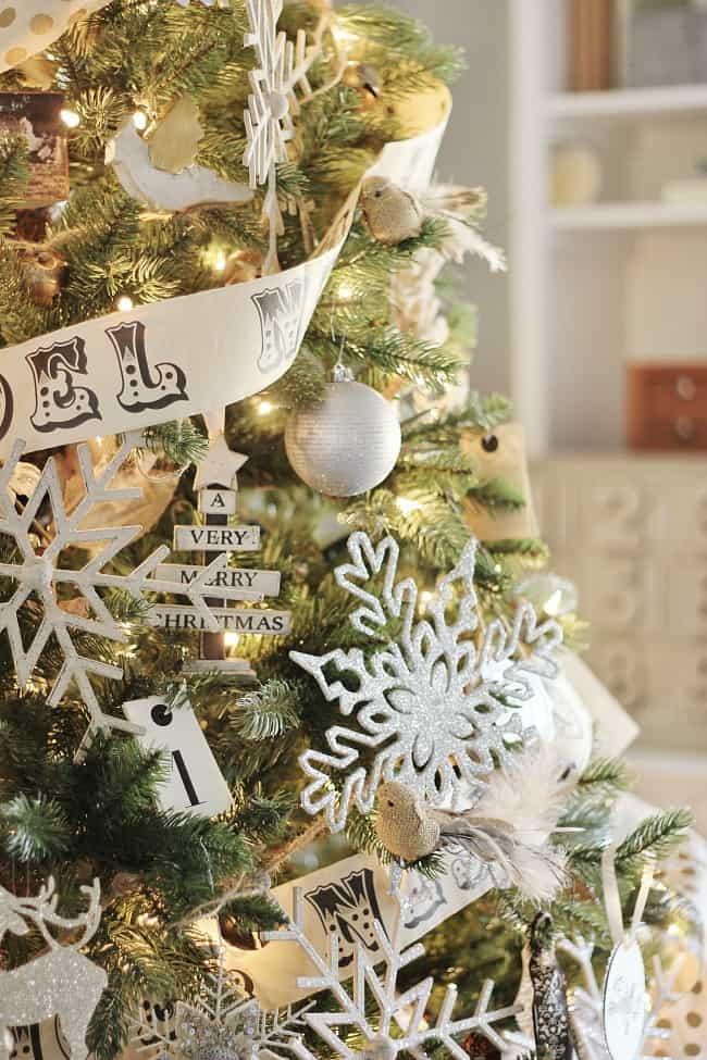 christmas-tree-decor