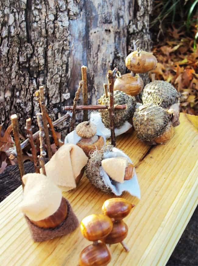 Christmas decorating ideas acorn nativity