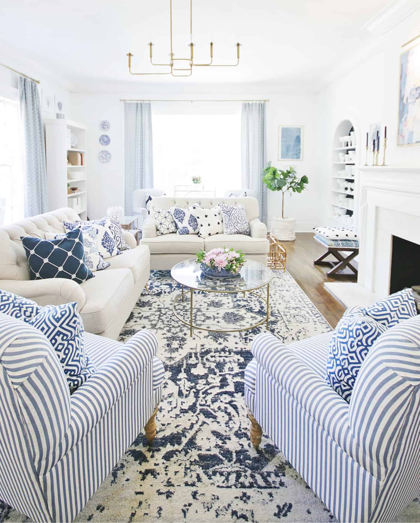 how to mix patterns with blue and white decor
