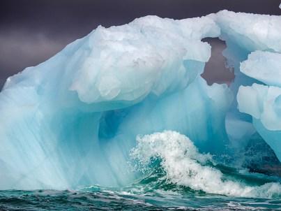 Iceberg Wave