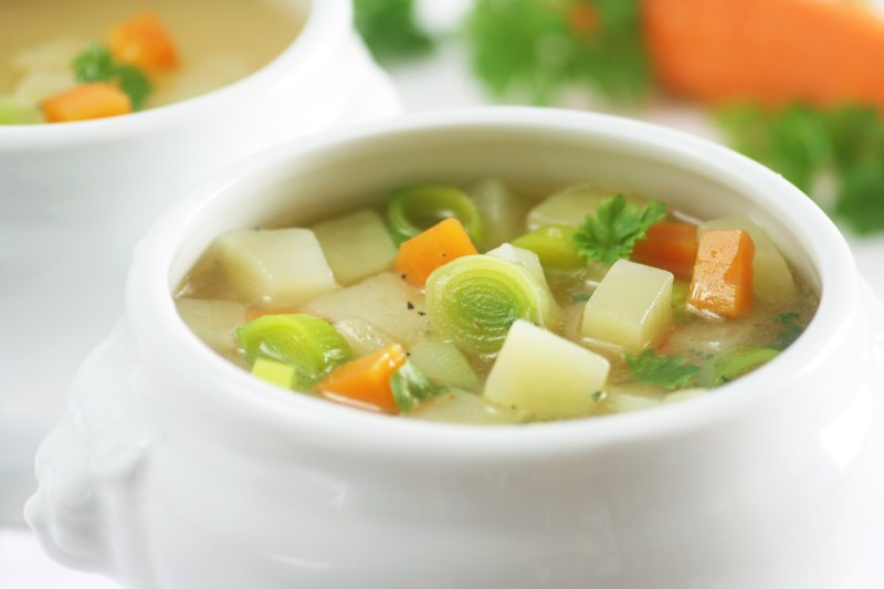 Leek and Potato Soup with Carrots | Vegan | thiswifecooks.com