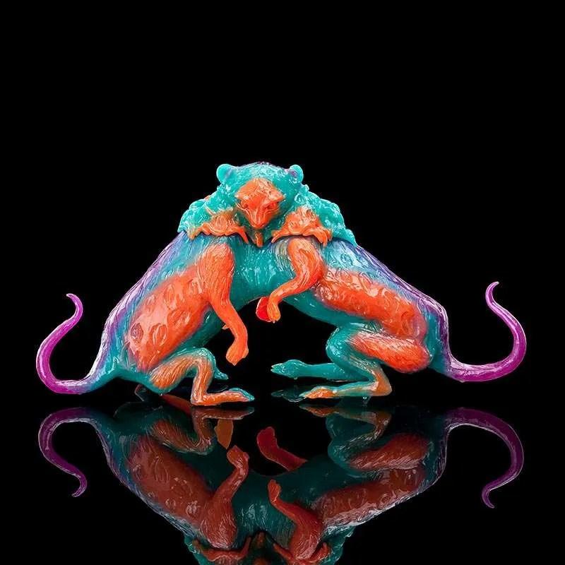 Mutant Kitten Vase, 2016, polyurethane resin