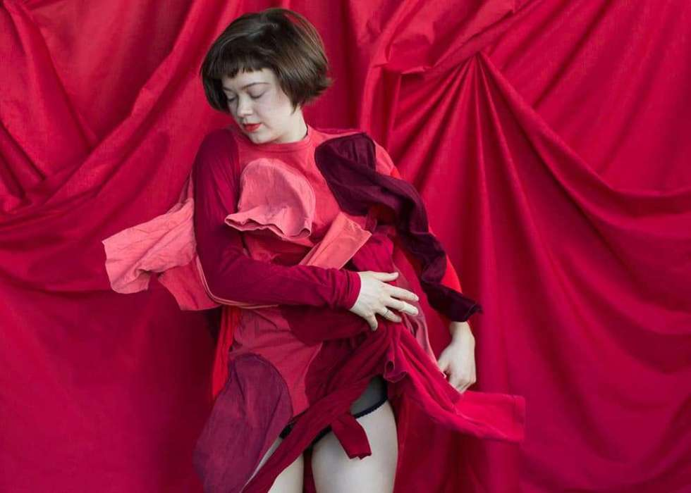 Portrait of Australian artist Hannah Gartside, by Ilona Nelson for This Wild Song