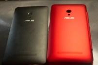 ASUSTek ZenFone 5 View Flip Cover と ZenFone 5 を並べてみた(裏面