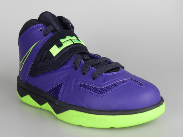 Purple Boys Basketball Shoes Black