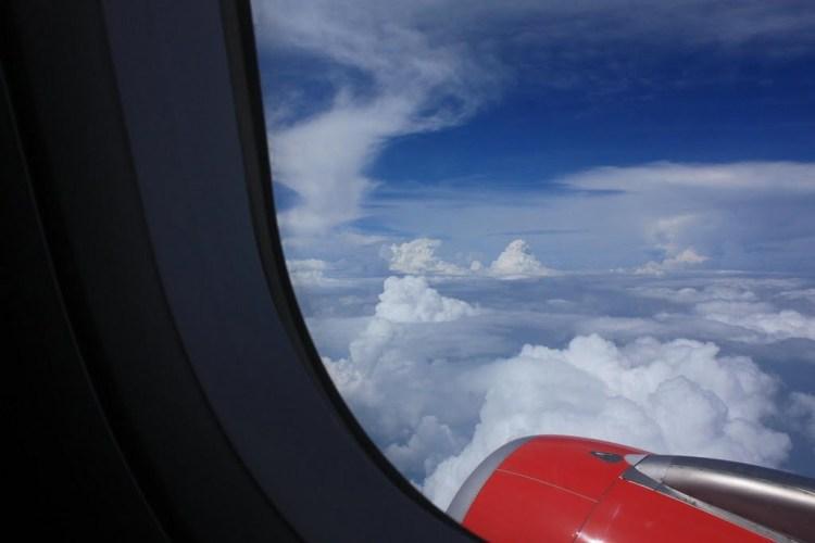 Pemandangan dari jendela ketika menggunakan jasa Air Asia.