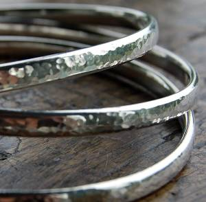 original_simple-handmade-hammered-silver-bangle (2)