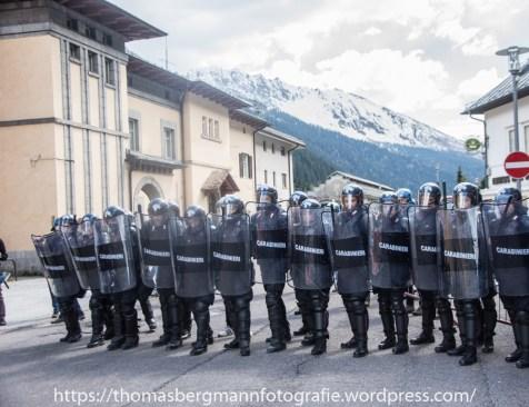 Ausschreitungen bei Demonstrationen gegen die Grenzkontrollen - 07.05.2016 (1 von 28)