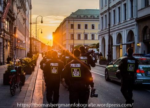 Gegenproteste zum AFD Prteitag - 30.04.201 (8 von 12)
