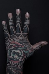 Tribal Hand Tattoo Thomas Hooper NYC May 16, 2010-001