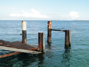 Amity Point Jetty, from where you can jump in the ocean