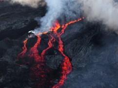 Trois coulées de lave sont visibles sur cette image.RICHARD BOUHET / AFP