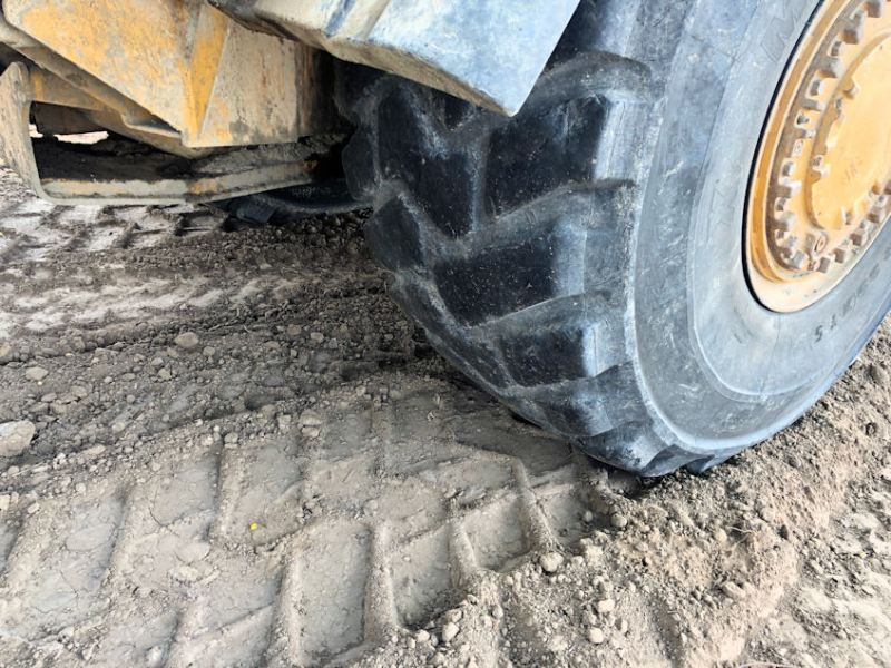 2012 Caterpillar 627H Right Front Tire