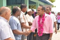 08-06 - Dr Jameel Visiting peoples of L Maibaidhoo (2)