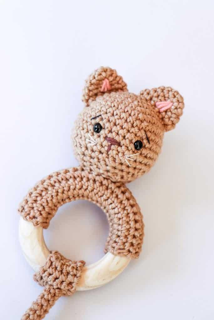 Crochet kitten rattle