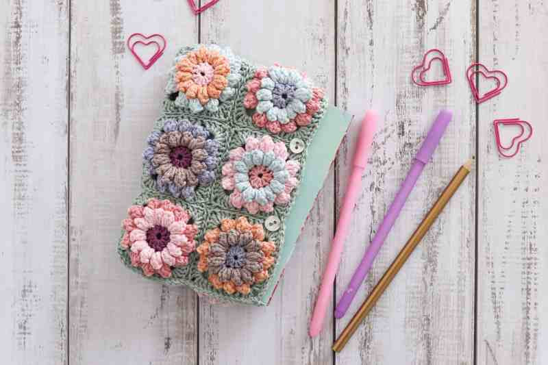 crochet stationary pouch, colorful handmade pouch, floral clutch bag