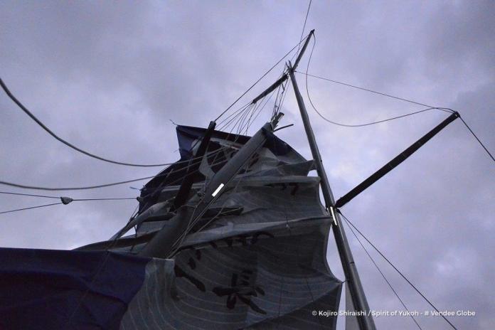 Rotura del mástil del Spirit of Yukoh ©  Kojiro Shiraishi/Spirit of Yukoh/Vendée Globe
