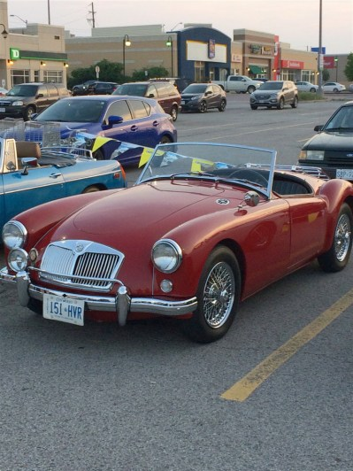 2018-Aug-27-Monday-Night-Cruise-MG-Car-Club-ThornhillCruisersCarsClub-15