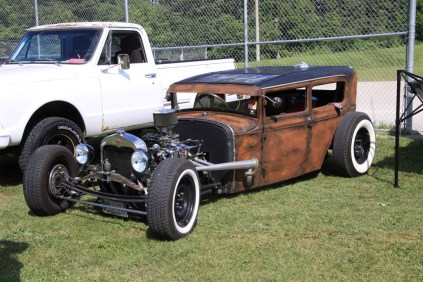 2019-Aug-11-Antique&ClassicCarShow-Whitchurch-Stouffville-Museum-ThornhillCruisersCarClub-31