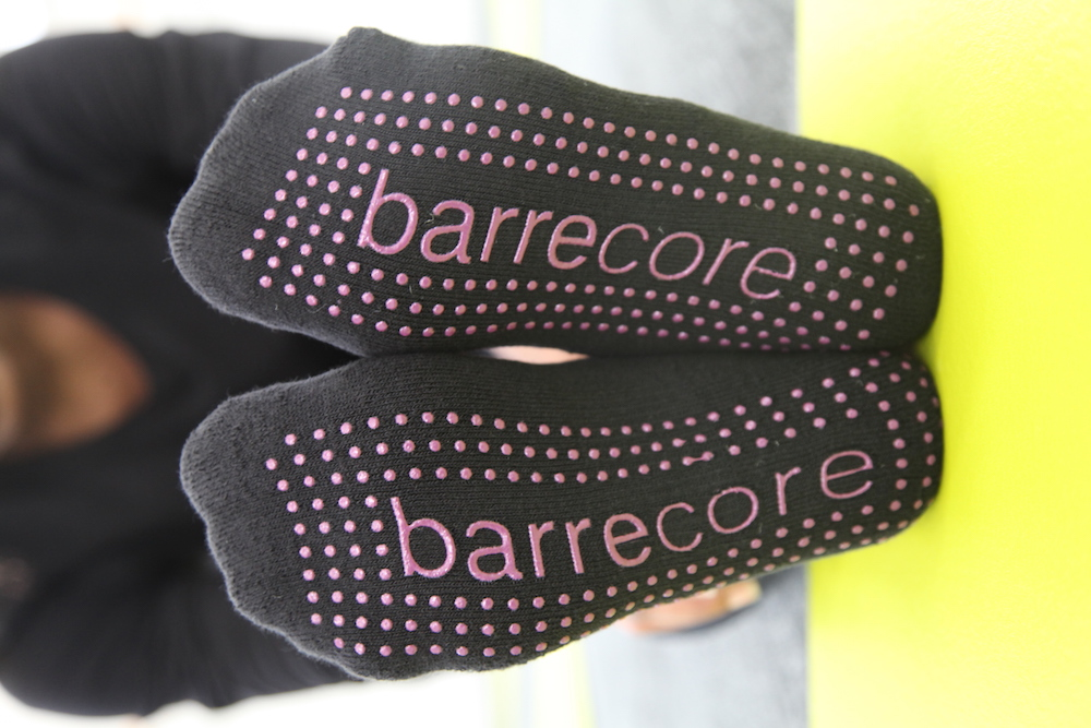ballet-barre-barrecore-exercise-lose-fat-training-muscles