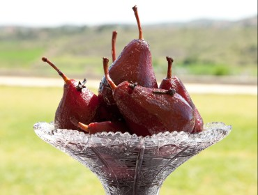 poached-pear-red-wine-traditional-tonia-buxton-recipe-thoselondonchicks-article